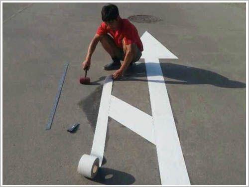 简介减速带是什么以及使用它的作用