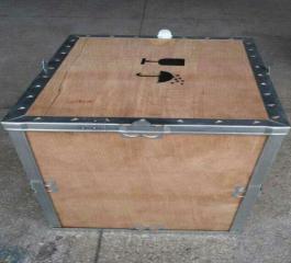 轻便灵活的钢带木箱