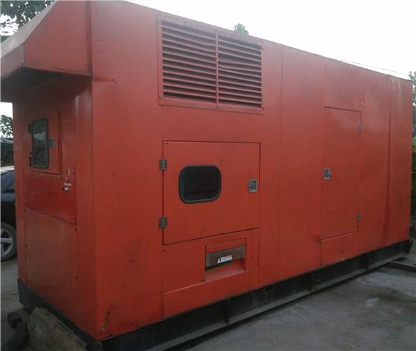 天津发电机出租公司告诉您:奔驰汽车的发电机组不发电怎么解决?