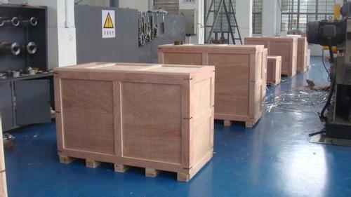 複合免檢木箱加工廠中