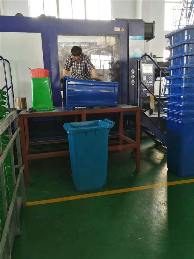 天津塑料垃圾箱
